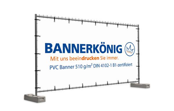 Mit Wunschmotiv bedrucktes Bauzaunbanner nach DIN 4102-1 in der Größe 340 x 173 cm