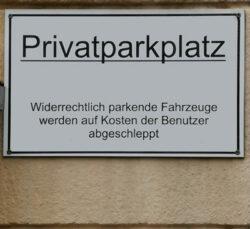 Abbildung eines Privatparkplatz Hinweisschild