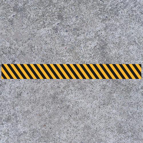 Bodenmarkierung als Streifen für Innenbereiche sowie Laden- und Verkaufsflächen als Kennzeichnung für Abstand oder Wartezone